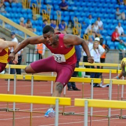 Video: English Schools senior boys 110m hurdles