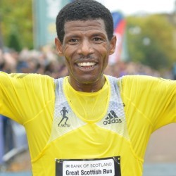 Gebrselassie headlines Great Scottish Run as Pavey pulls out