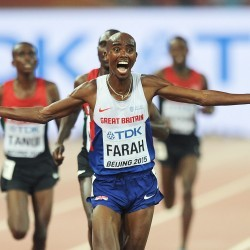 Mo Farah strikes 10,000m gold in Beijing