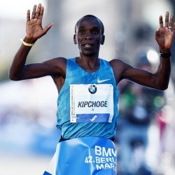 Eliud Kipchoge and Gladys Cherono win Berlin Marathon