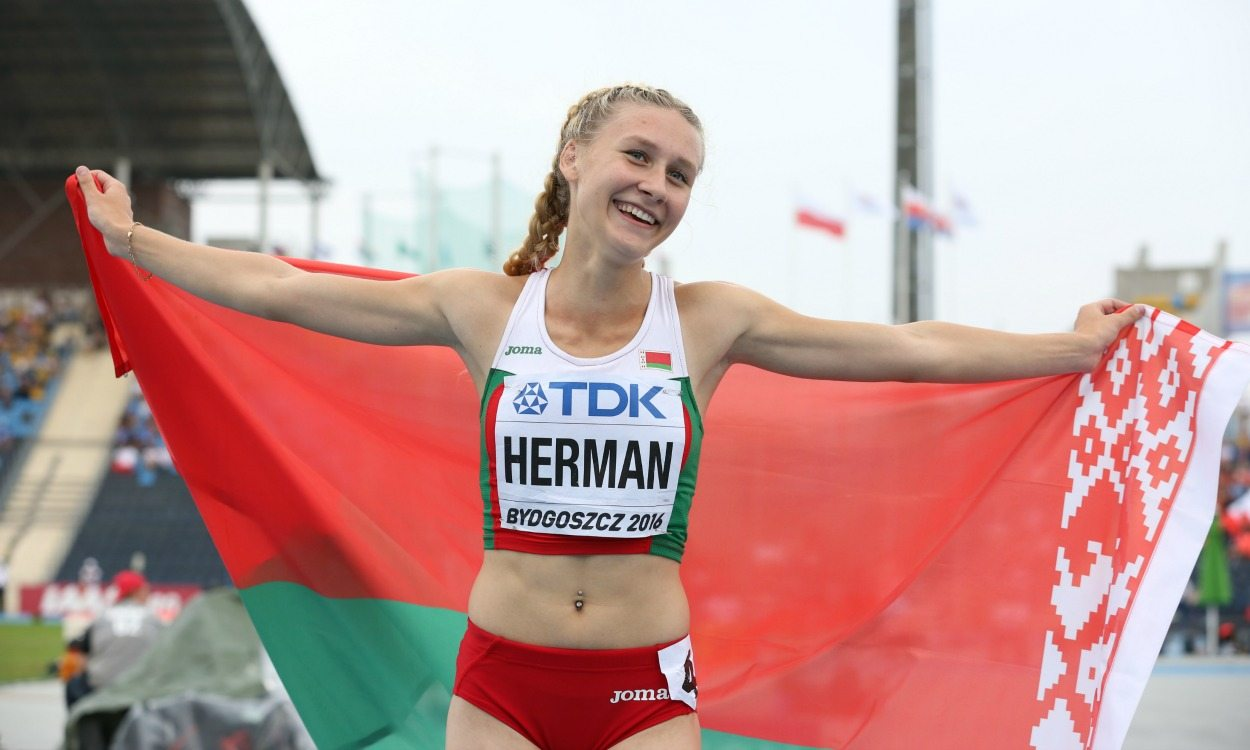 Elvira Herman wins world under-20 100m hurdles title in record time