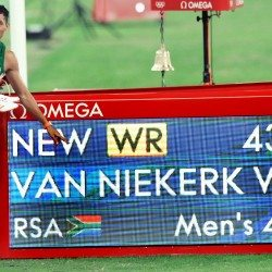 Wayde van Niekerk breaks world 400m record for Olympic gold