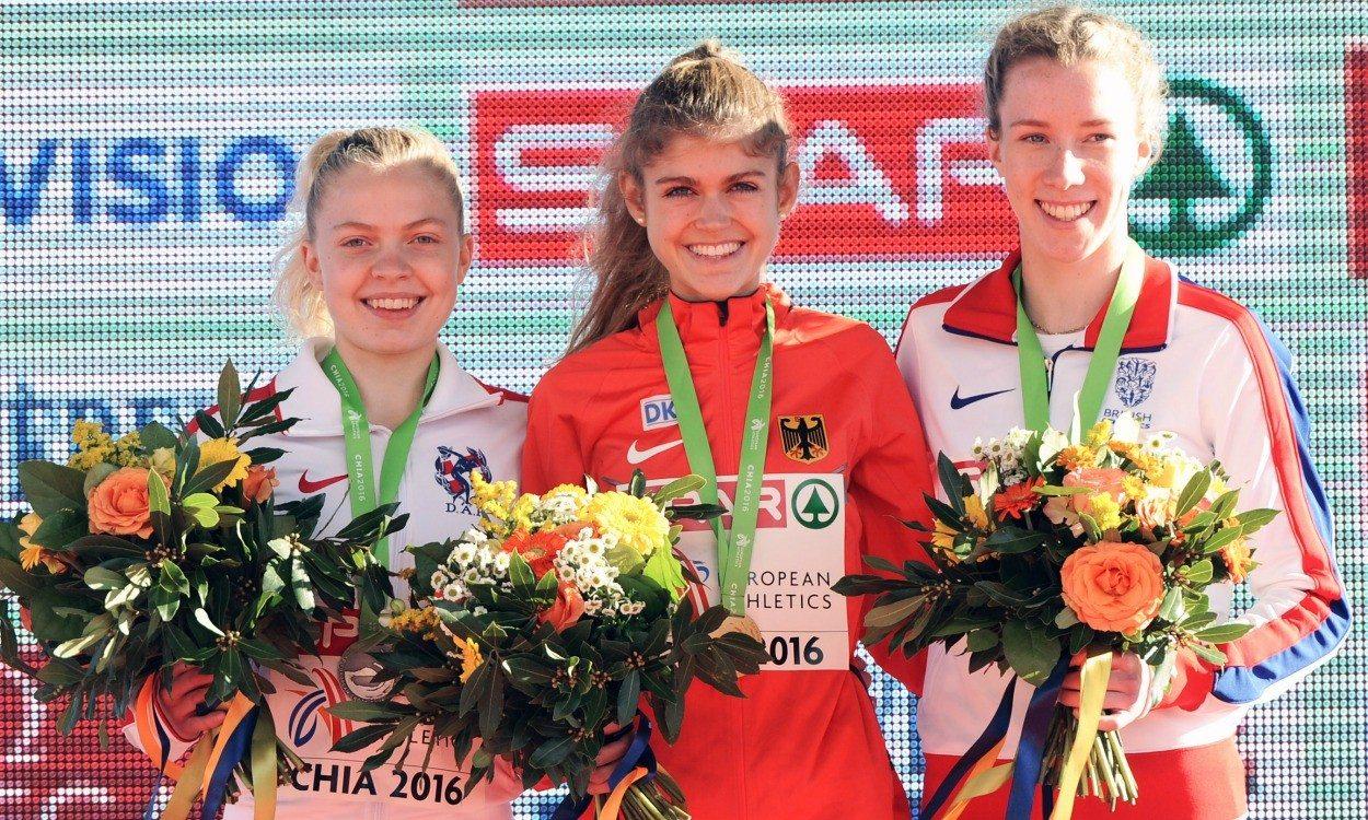 Konstanze Klosterhalfen retains Euro Cross title as Harriet Knowles-Jones bags bronze