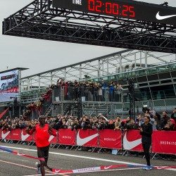 Eliud Kipchoge runs incredible 2:00:25 marathon in Breaking2 attempt