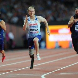 Jonnie Peacock floors opposition to take world 100m title