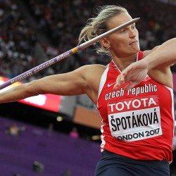 Barbora Spotakova regains world javelin title in London