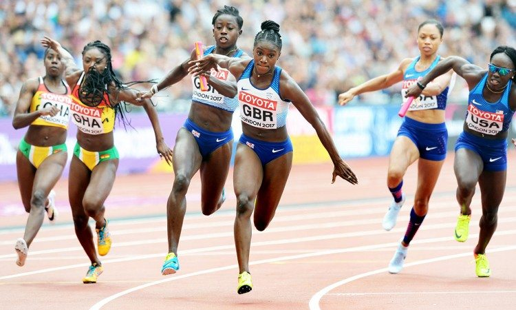 Desiree-Henry-to-Dina-Asher-Smith-4x100m-heats-London-2017-by-Mark-Shearman