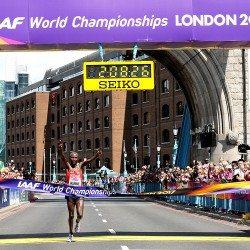 Geoffrey Kirui wins world marathon title as Callum Hawkins is fine fourth