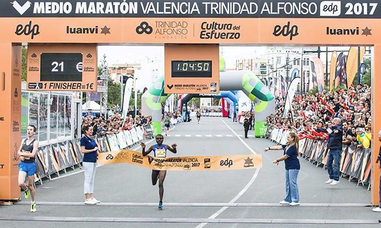 Joyciline Jepkosgei breaks world half-marathon record in Valencia
