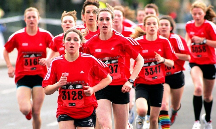 Laura-Weightman-2008-mini-london-marathon-by-mark-shearman
