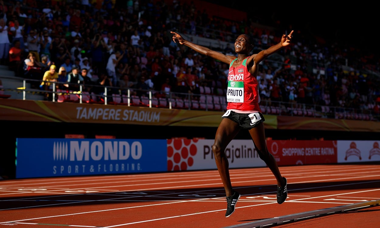 Rhonex Kipruto strides to World U20 10,000m title