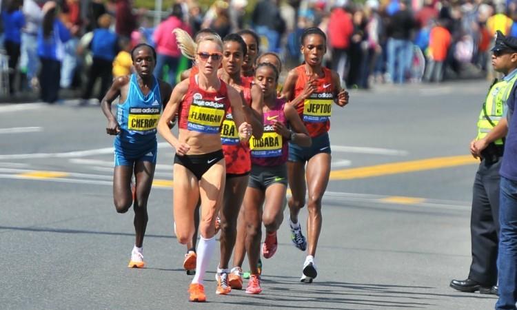 Boston Marathon women 2014 (Credit: Cheryl Treworgy)