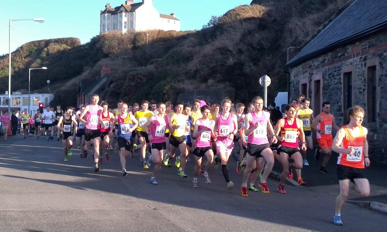 Short and Franklin victorious at Port Erin 10km