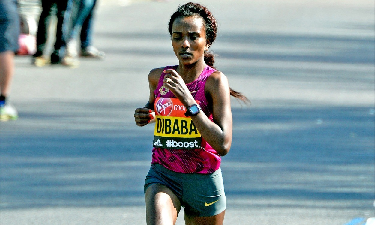 Dibaba to defend Great Manchester Run title