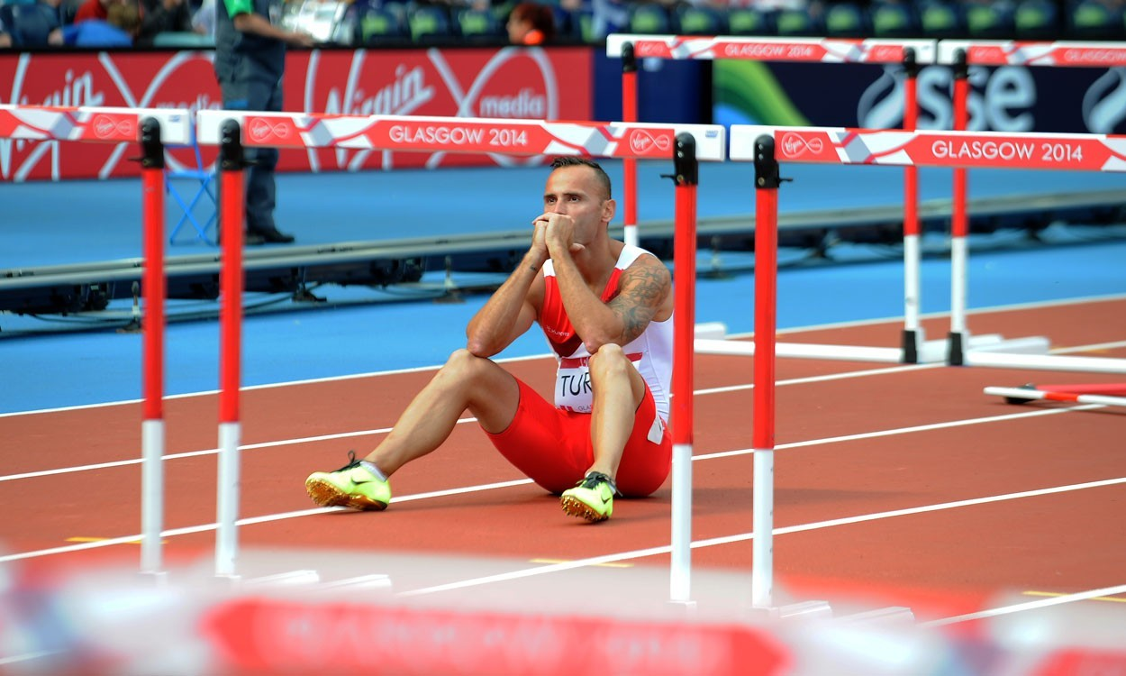"""Andy Turner crashes out after """"schoolboy error"""" at Glasgow 2014"""