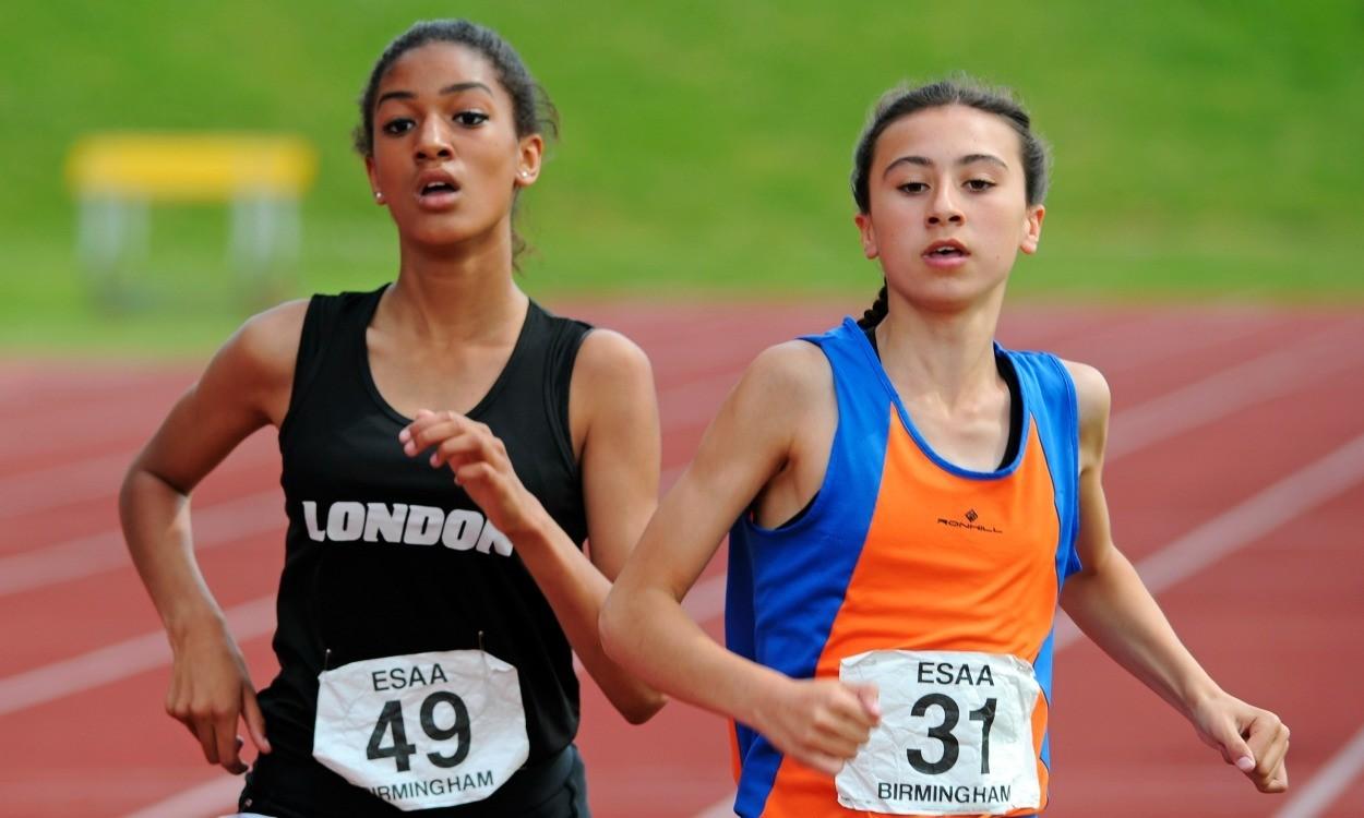Video: English Schools junior girls 1500m