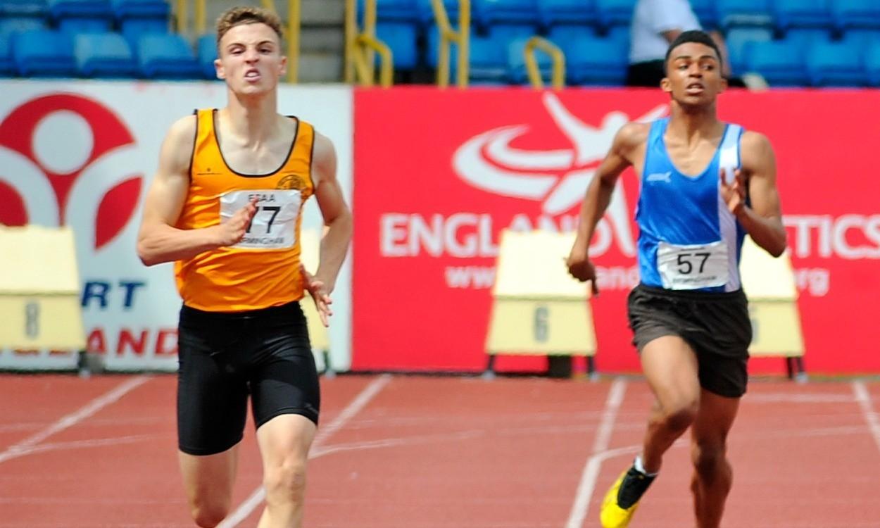 Video: English Schools junior boys 300m