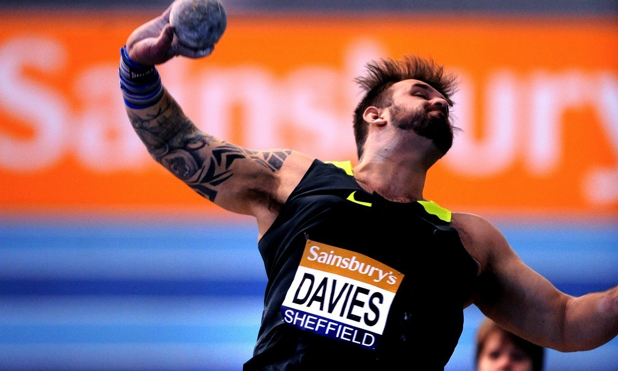 Aled Davies sets two world records in two days in Dubai