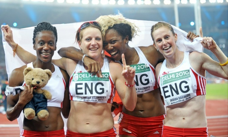ENGLAND WOMEN 4x100 Delhi 2010