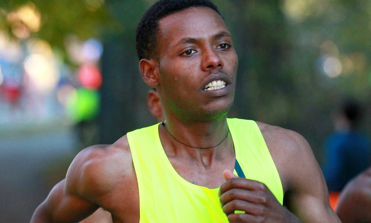 Lelisa Desisa and Caroline Rotich win Boston Marathon