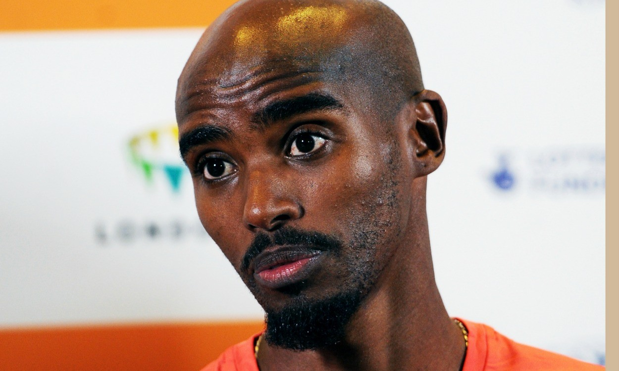 Mo Farah stays with Alberto Salazar