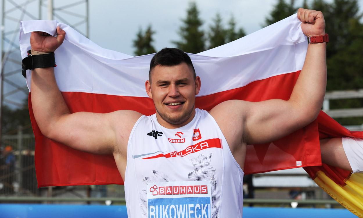 Record-breaking Bukowiecki wins European junior shot gold