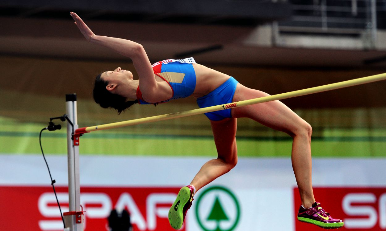 Mariya Kuchina beats Blanca Vlasic to world title