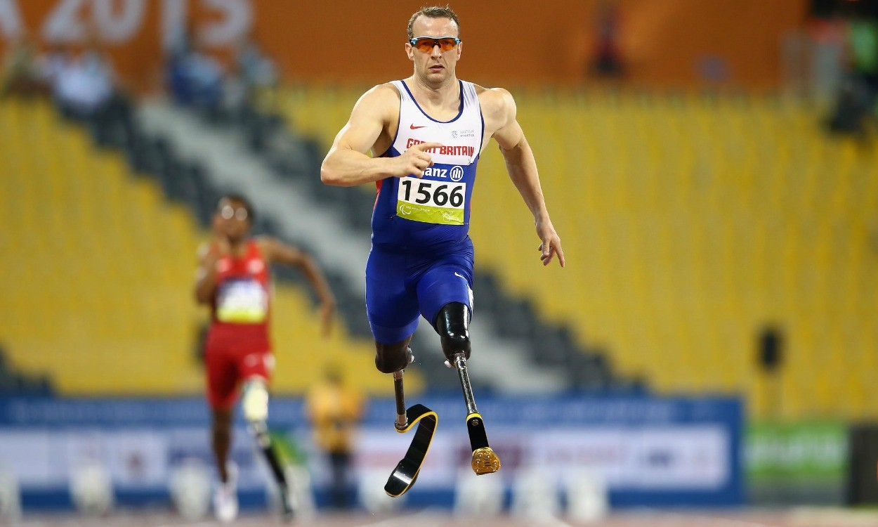 Richard Whitehead breaks world record in Doha