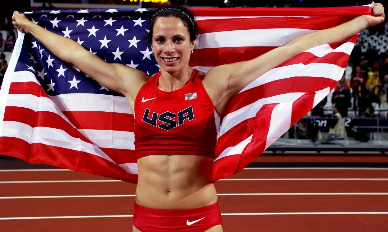 Jenn Suhr breaks world indoor pole vault record