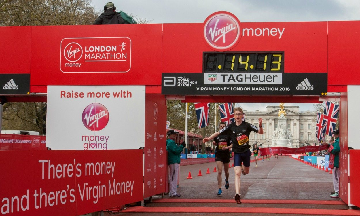 Mortimer and Sinha among London mini-marathon winners