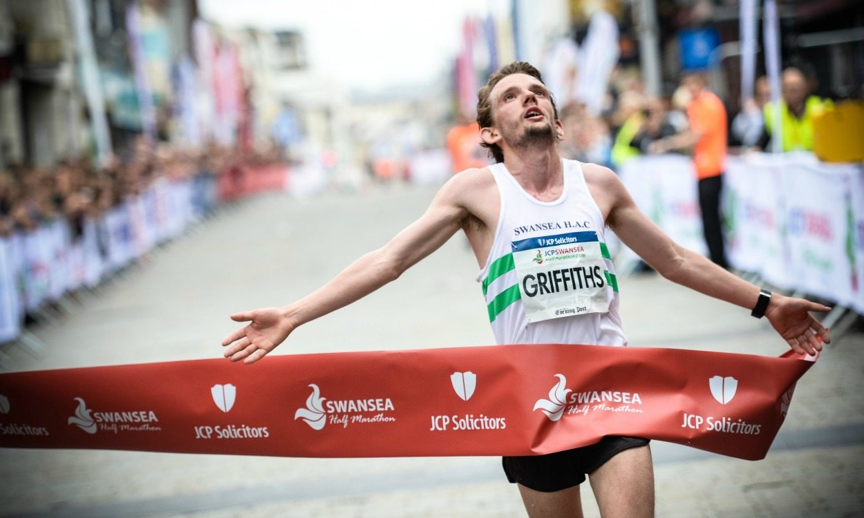 Dewi Griffiths and Hannah Walker win JCP Swansea Half Marathon