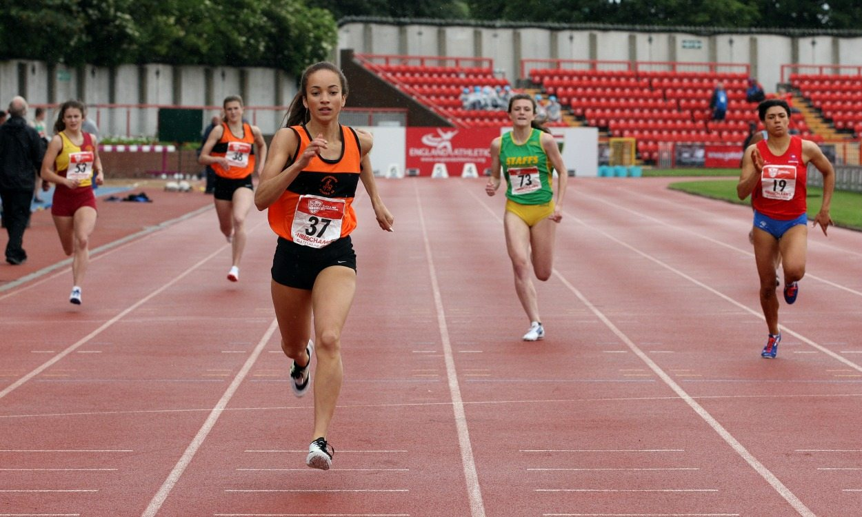 Hannah Williams warms up for World Juniors with English Schools 400m record