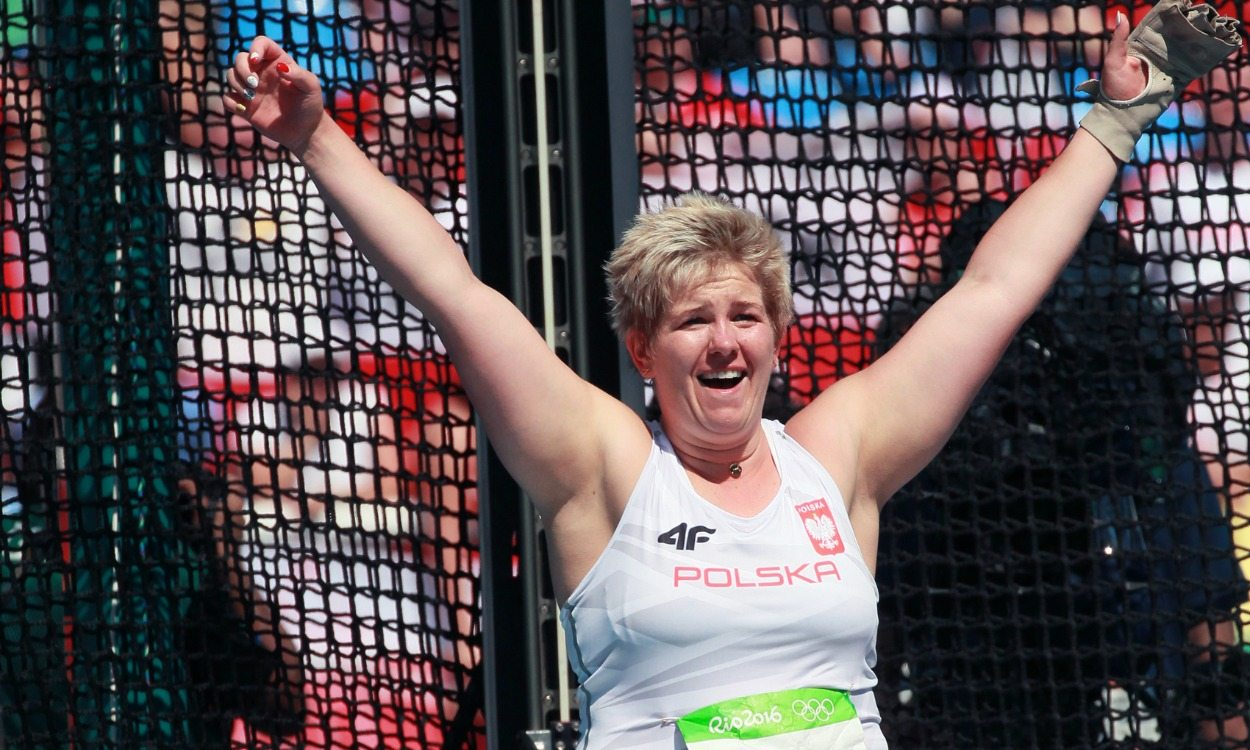 Anita Wlodarczyk improves own world hammer record to 82.98m