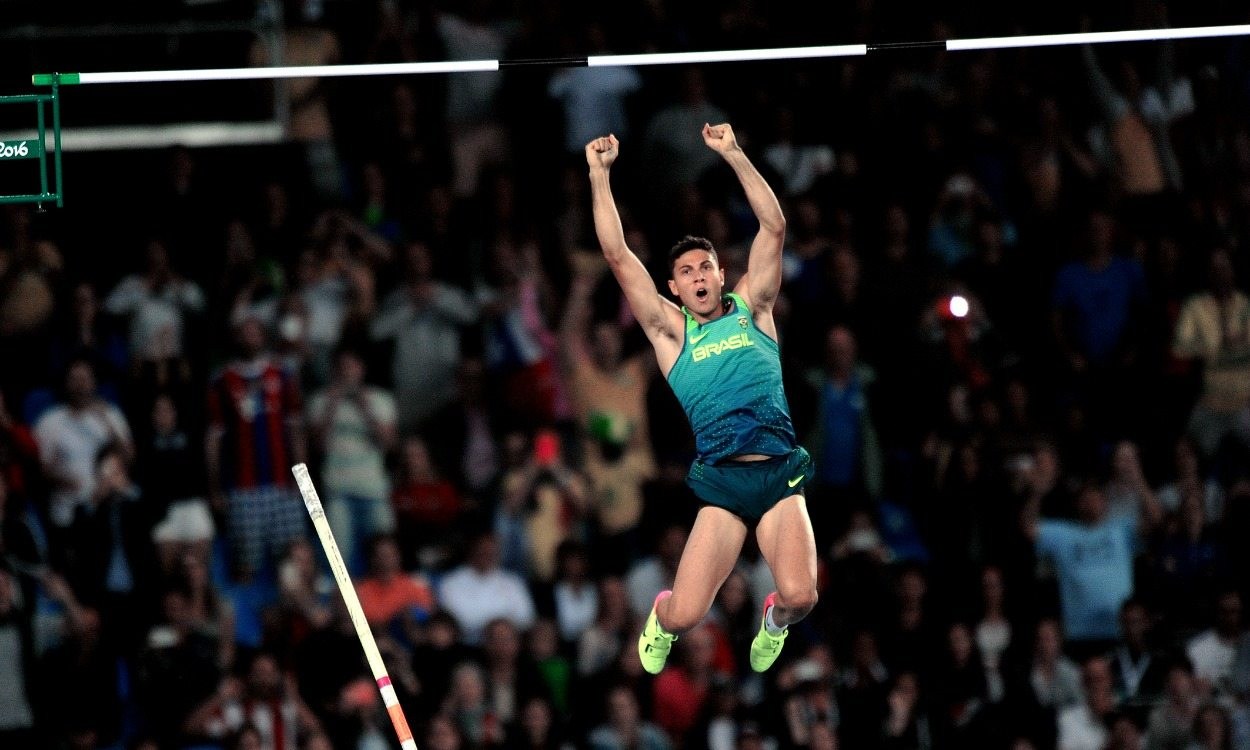 Thiago Braz da Silva wins Olympic pole vault gold for Brazil