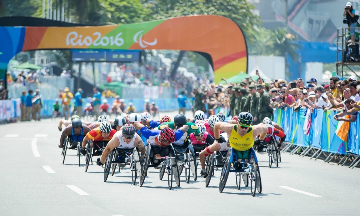Marcel Hug gets gold while David Weir crashes out of Rio marathon