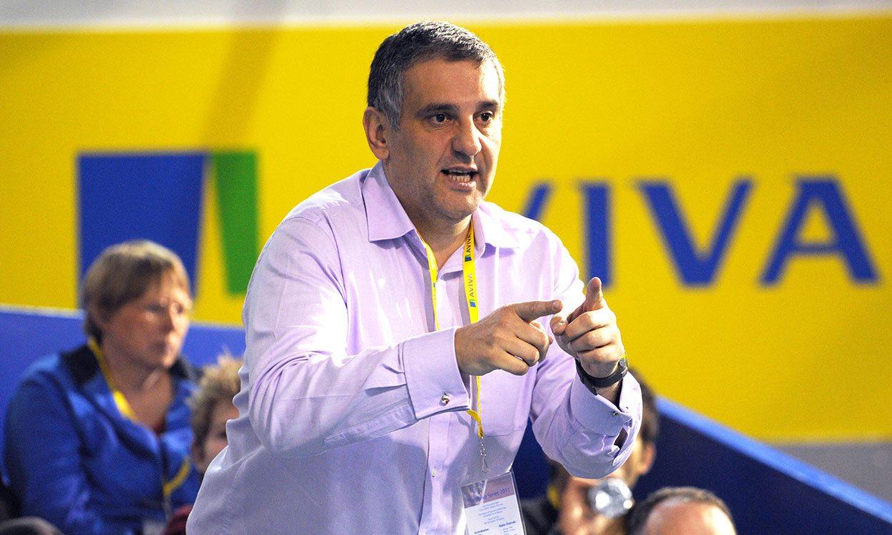 """Toni Minichiello given """"written warning"""" by UK Athletics"""