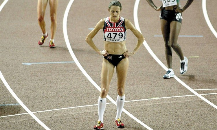 Jo-Pavey-Osaka-2007-end-of-10,000m-Mark-Shearman