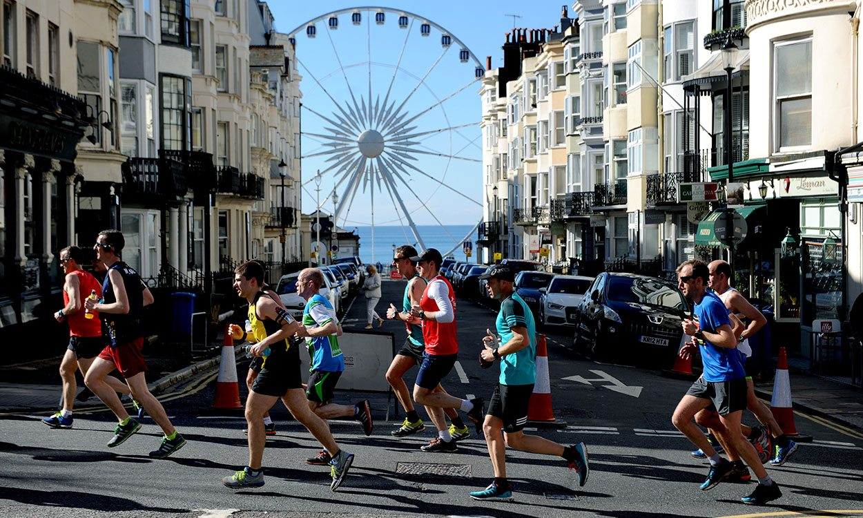 Britons ready to battle in Brighton Marathon