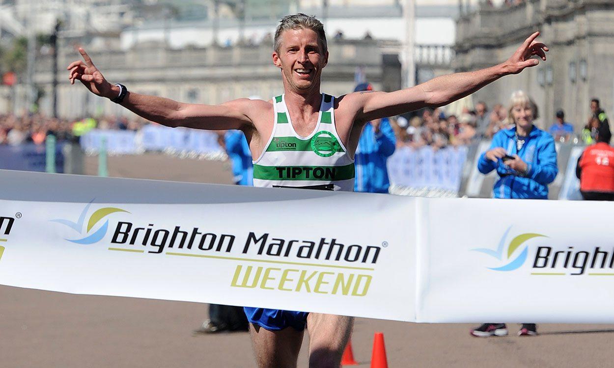 Stuart Hawkes and Helen Davies win Brighton Marathon