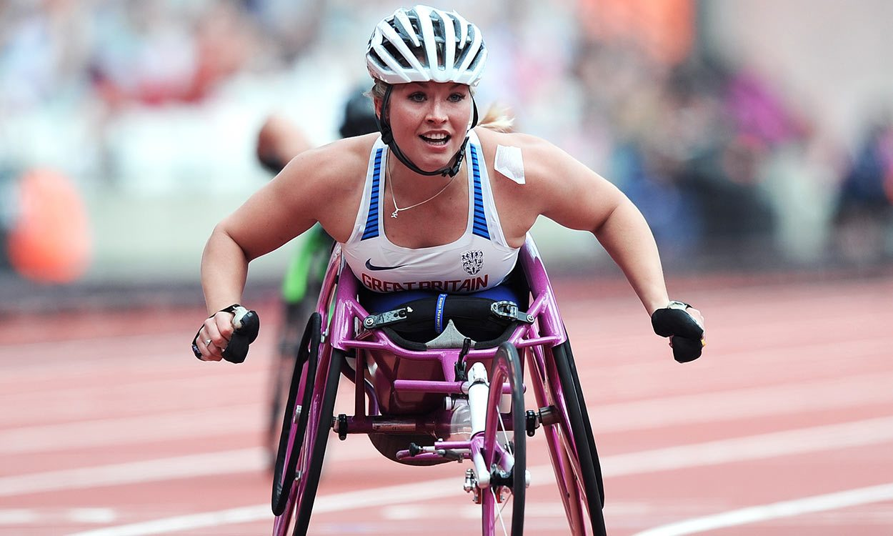 Sammi Kinghorn wins world sprint double in London