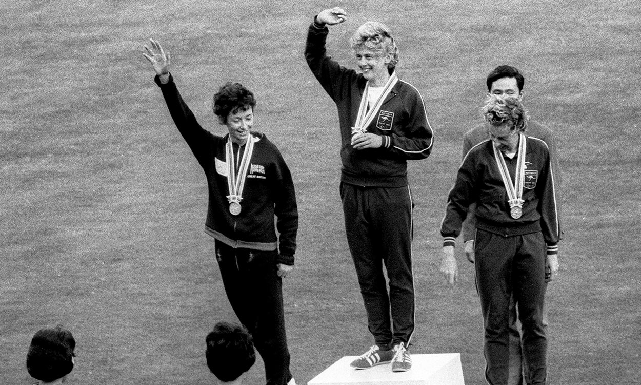 Tributes paid to 'golden girl' Betty Cuthbert