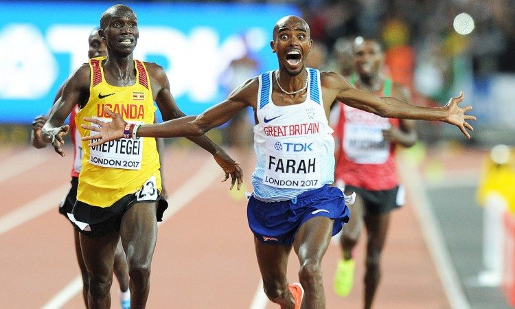 Mo-Farah-10,000m-win-London-2017-by-Mark-Shearman
