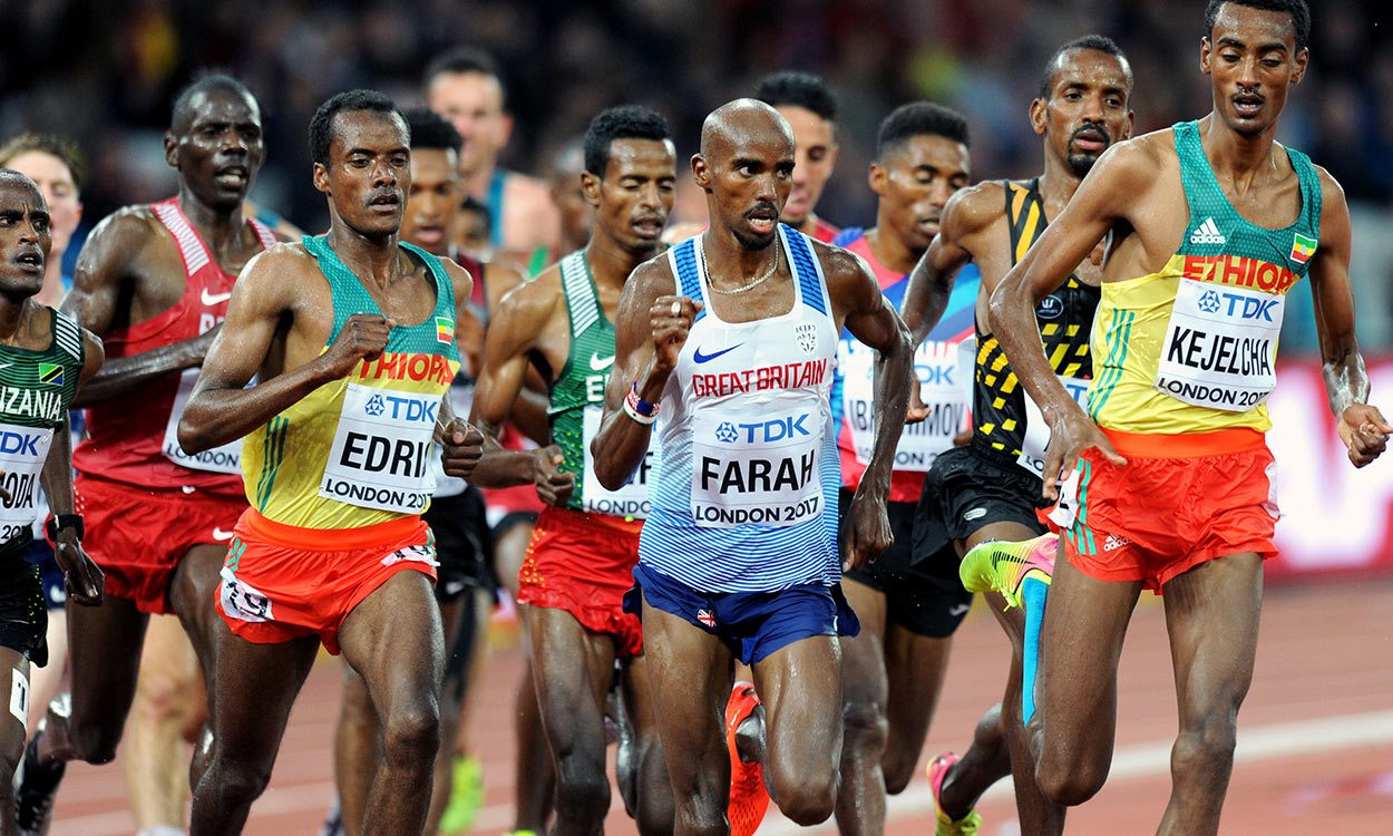 Mo Farah remains on track for world double in London
