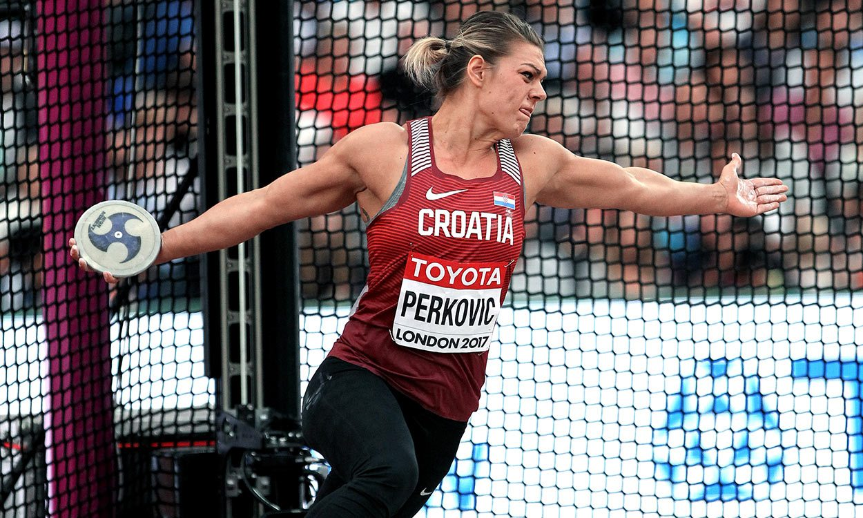 Sandra Perkovic regains world discus title