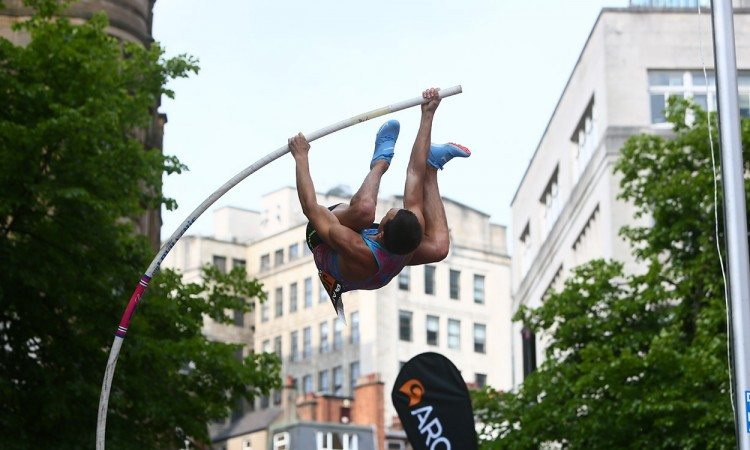 Stanley-Joseph-CityGames-Manchester-pole-vault-by-Phil-Oldham