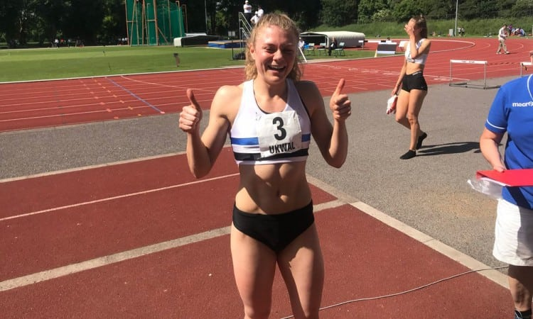 Beth Dobbin breaks Scottish 200m record