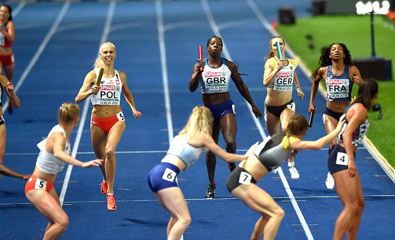 4x400m-women-baton-change-berlin-2018-by-mark-shearman-800