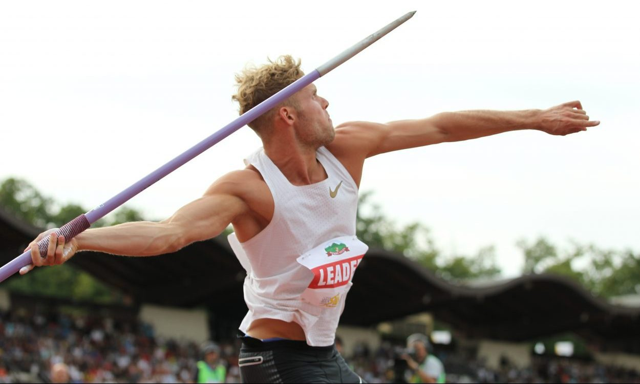 KEVIN MAYER breaks Decathlon WR with 9126 Pts