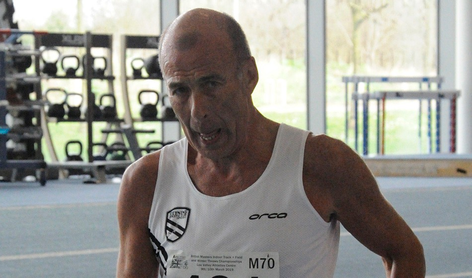 Ian Richards breaks race walk world record at World Masters