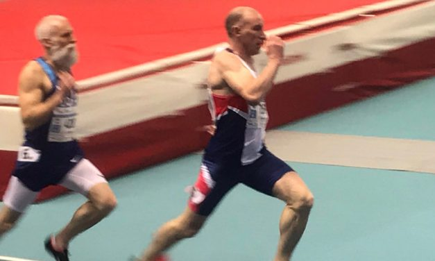 GB gains golden 400m treble, Evaun Williams sets world weight record